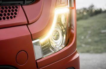 Mercedes-Benz Actros, Modelljahr 2018Mercedes-Benz Actros, Scheinwerfer