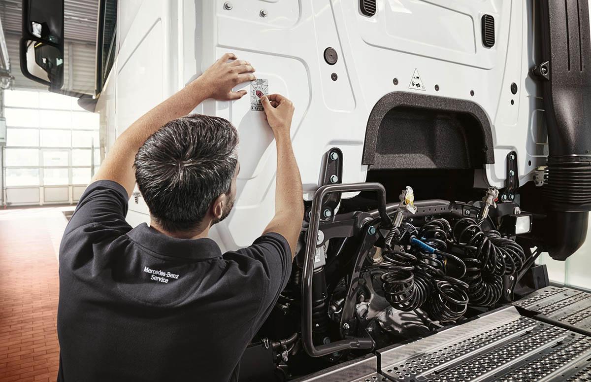Sicherheitsprüfung (SP) an Mercedes-Benz Lkw