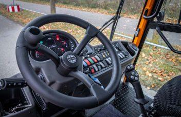 Hansa APZ 1003 Fahrerkabine